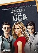 Elizabeth Halseyová (Cameron Diaz) je učitelka, která by z chování dostala přinejmenším dvojku. Je sprostá, zlá a chová se naprosto nevhodně. Pije, bere drogy a nemůže se dočkat, až si […]