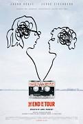 """Dej príbehu je zasadený do roku 1996, kedy mladý spisovateľ a reportér presláveného magazínu """"Rolling Stone"""" David Lipsky (Jesse Eisenberg) chce uskutočniť ohromujúce interview s hviezdou spisovateľského neba tej doby […]"""