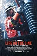 Vzťahová dráma z prostredia opravárov káblov vysokého napätia, kde najmenšia nepozornosť môže stáť každého jedného z týchto drsných chlapov život. Najostrieľanejším a najrešpektovanejším z nich je predák Beau Ginner (John […]