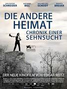 Ve dvoudílném prequelu ke svému staršímu výpravnému eposu Vlast (Heimat) vypráví Edgar Reitz o předcích rodiny Simonů a o chudých poměrech, vládnoucích na venkově v polovině 19. století. Zatímco všední […]
