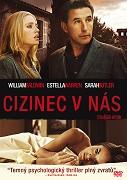 Po traumatickém zážitku se slavná herečka Emily Moore (Estella Warren – Planeta opic) a její manžel, psychiatr Robert (William Baldwin – Někdo se dívá), uchylují za odpočinkem na úchvatný odlehlý […]