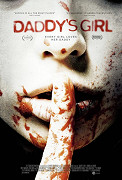 Dívku drží v zajetí její vlastní nevlastní otec, který je sériovým vrahem. Ve svých násilných zločinech ji používá jako návnadu pro potenciální oběti. Když se policie dostane na jejich stopu, […]