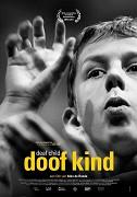 """V intimním rodinném portrétu nizozemský režisér Alex de Ronde zachycuje dětství a dospívání svého Neslyšícího syna Tobiase a jeho boj za respekt k neslyšícím. """"V srdci jsem Neslyšící,"""" říká s […]"""